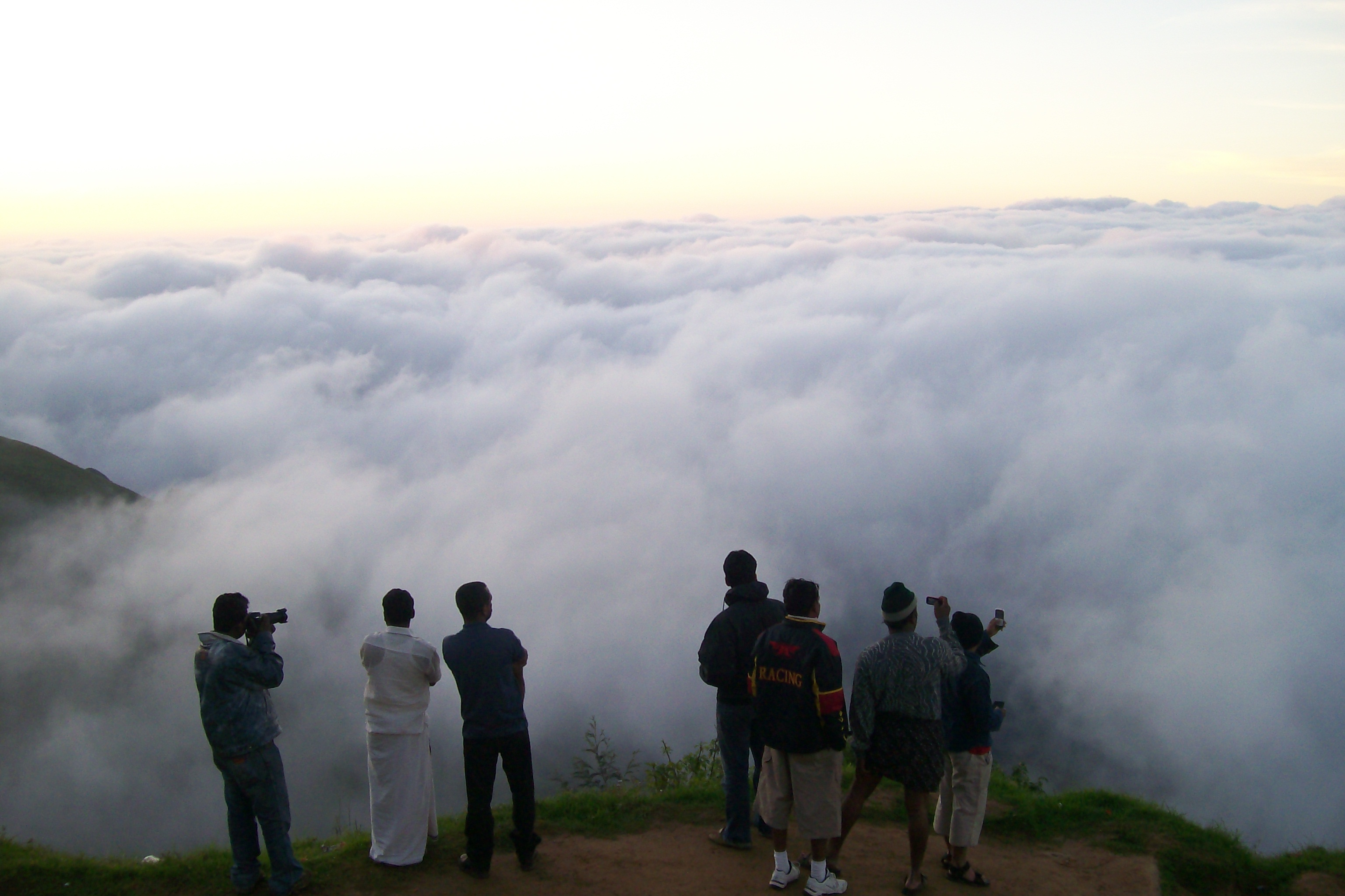 HEAVENLY SHOWERS IN MUNNAR