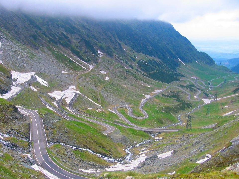 TRANSFAGARASAN: THE MOST DANGEROUS ROAD IN ROMANIA