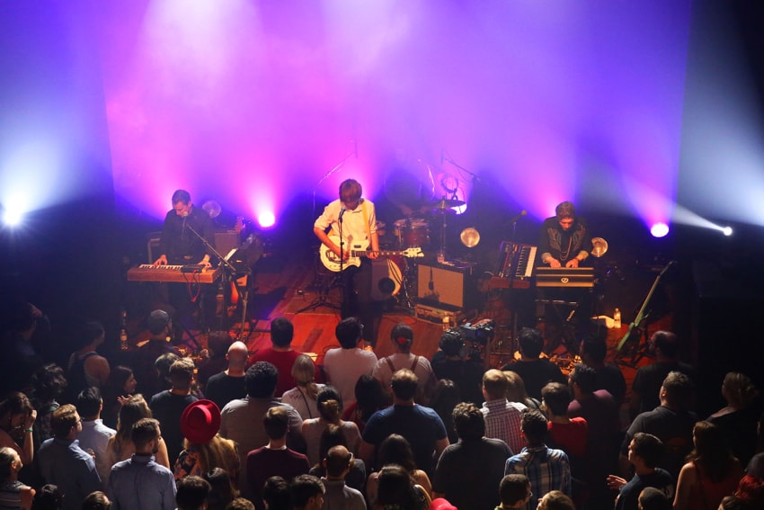 GO ON AN EPIC DATE NIGHT AT LINCOLN HALL CHICAGO-min