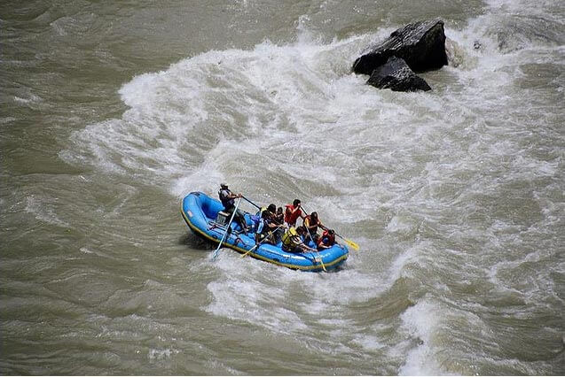 White water rafting at Teesta