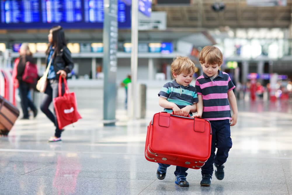 4 Best Ways To Keep The Kids Busy In The Airport