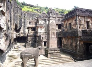 historical monuments built during the Gupta Dynasty, Ajanta Caves in Maharashtra