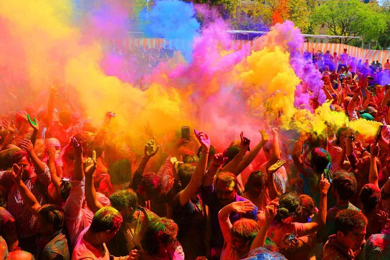 8 Magnificent Places to Celebrate Holi in India in 2019
