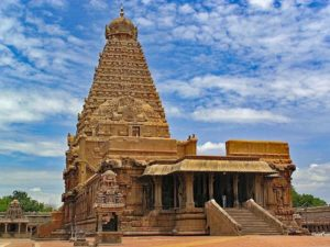 Brihadeswara Temple in Thanjavur, historical monuments built during the Chola dynasty
