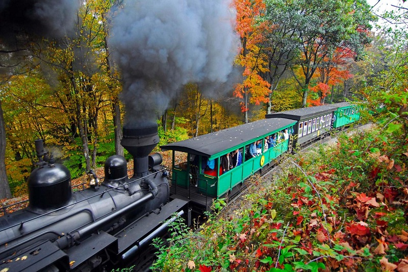 best fall train rides in the US
