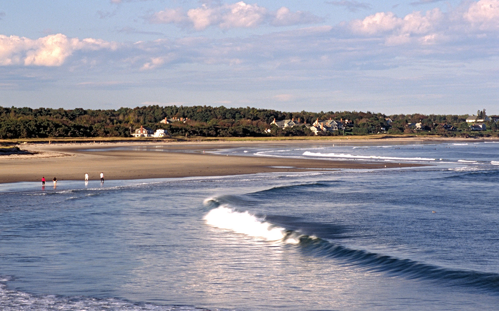 8 Best Beaches in Maine for Swimming, Surfing, or Simply Lazing About!