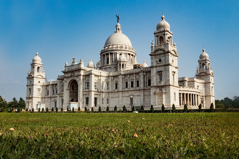 Kolkata Travel Guide: What to See, Do, Eat, Where to Shop & More!