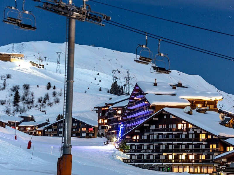 7 Terrific Small Ski Resorts in America