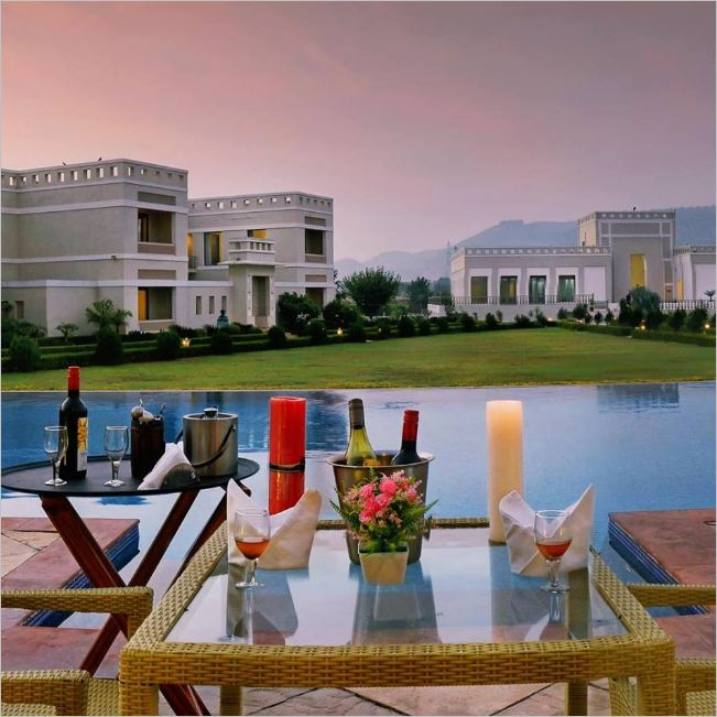 8 Luxurious Resorts in Neemrana