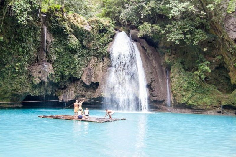 Visit these Majestic Waterfalls in Palawan to Get Closer to Nature
