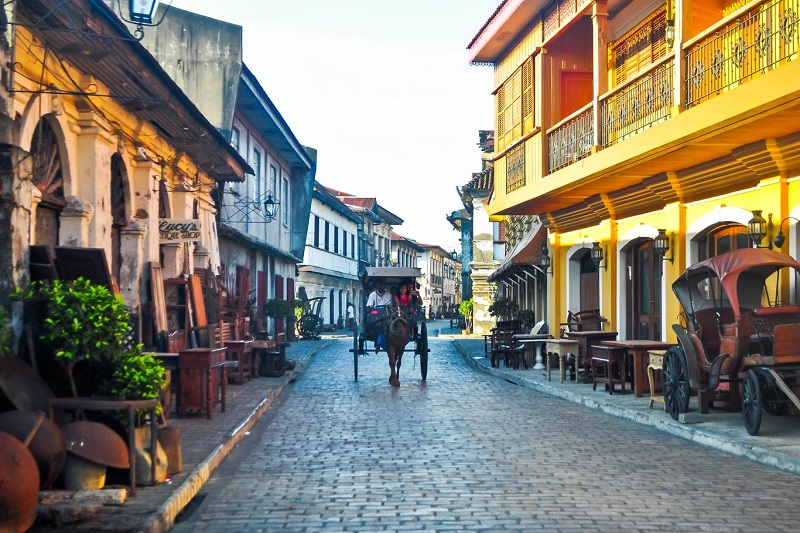 A guide to exploring the tourist spots in Vigan City, Philippines.